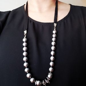 Handmade faux Pearl necklace with velvet strap